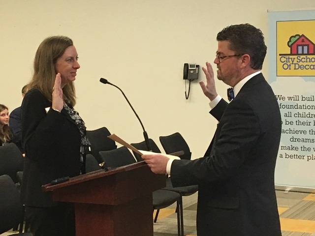 Decatur School Board swears in new member, elects new chair, decides on makeup days